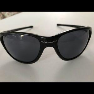 Black Oakley sun shades